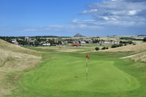 Gullane No 1. Second green